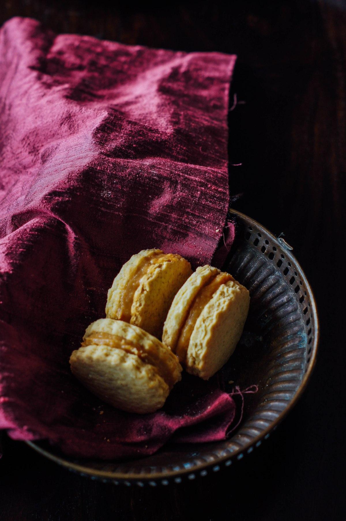 ALFAJORES – Dulche de leche sandwichcookies