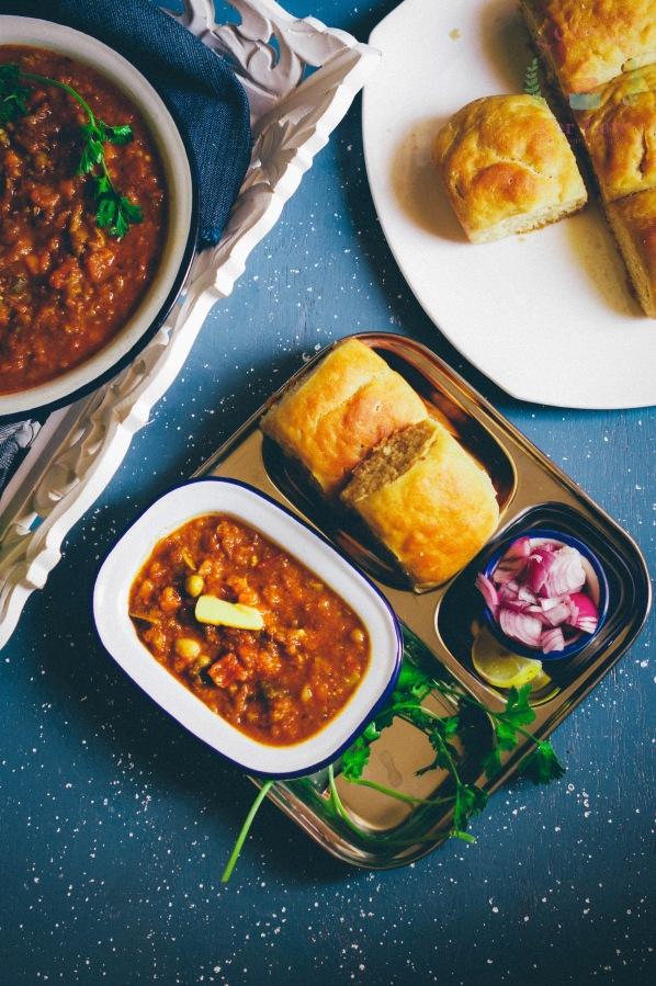 Whole wheat Pav and Bhaji – Indian Streetfood