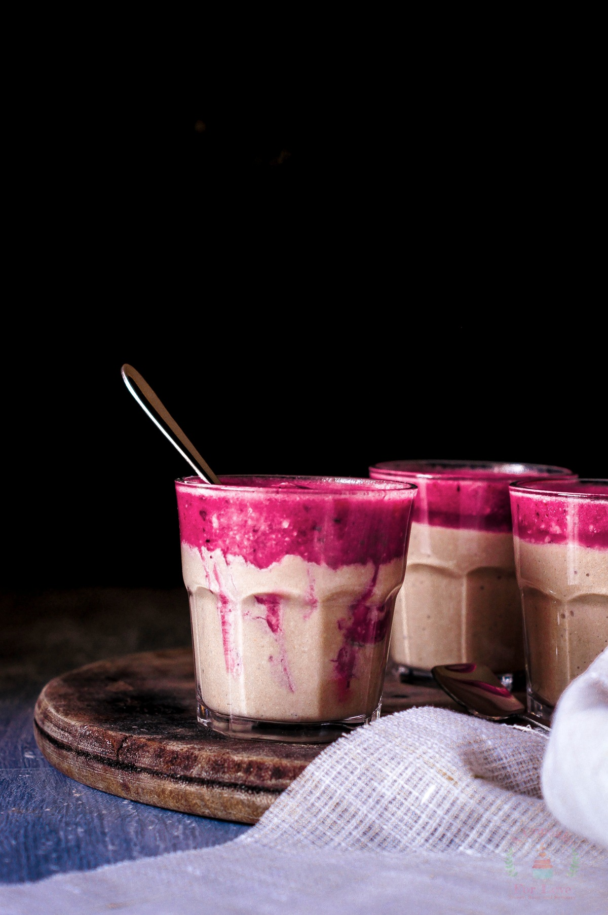 Sweet and Sour Smoothie – Chikku, Banana, Raisin Smoothie with Pomegranate and Grape