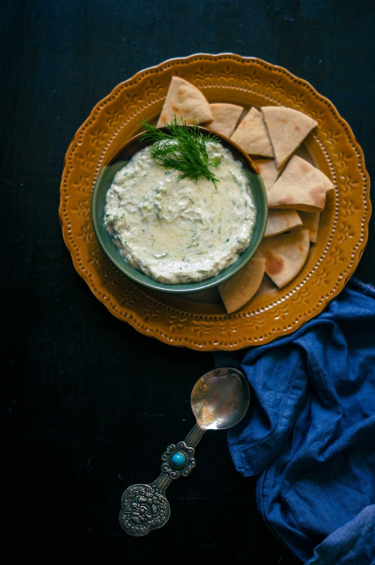 Tzatziki – Fresh dill leaves in a flavoured yogurtdip