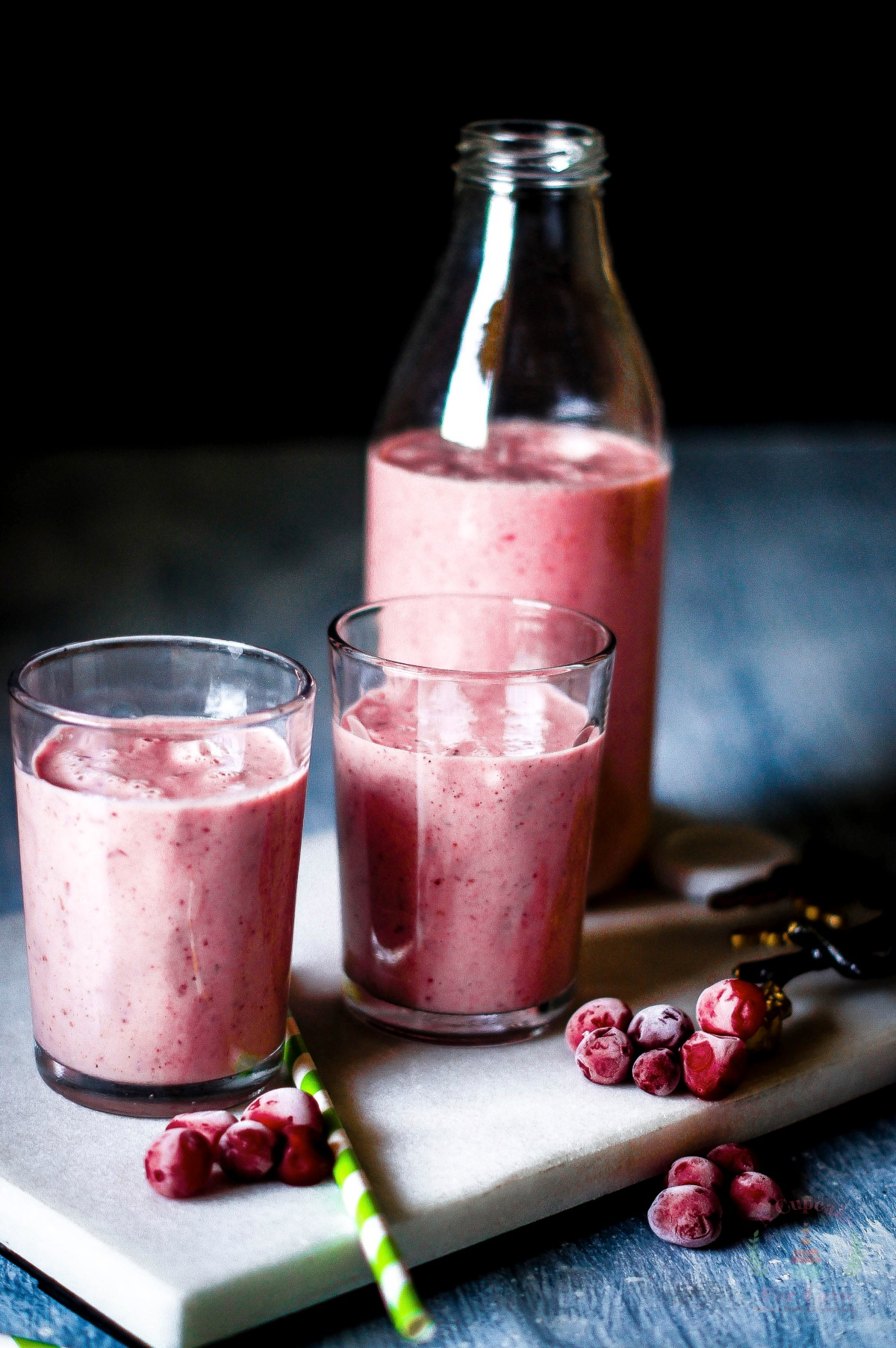 Cranberry and Apple Oats Smoothie – A sour but healthy smoothie