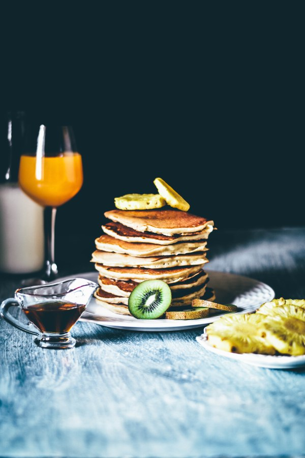 Lemon and Cottage Cheese Pancakes with Grilled Pineapples, Kiwi andHoney