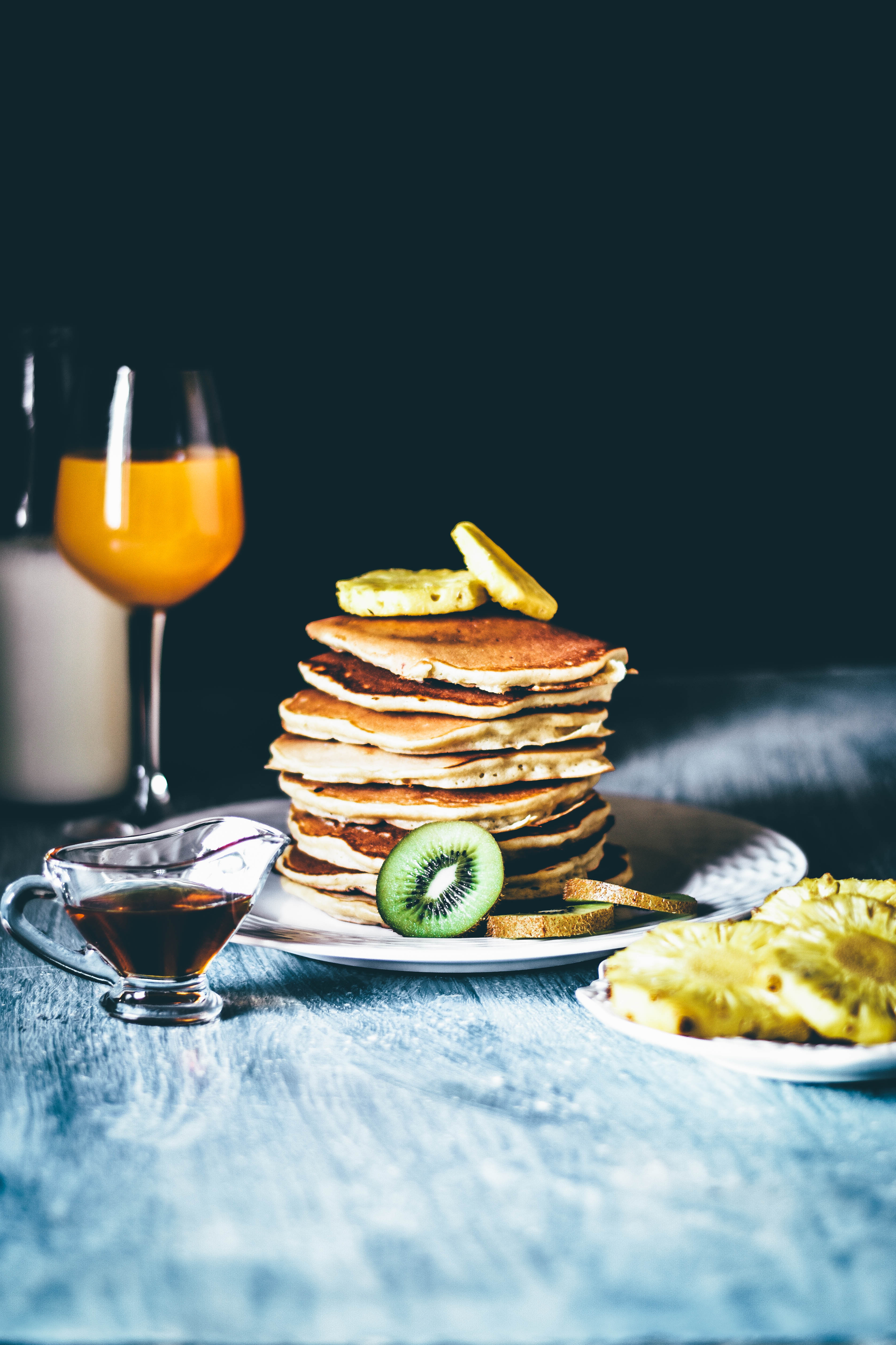 Great Lemon And Cottage Cheese Pancakes With Grilled Pineapples, Kiwi And Honey