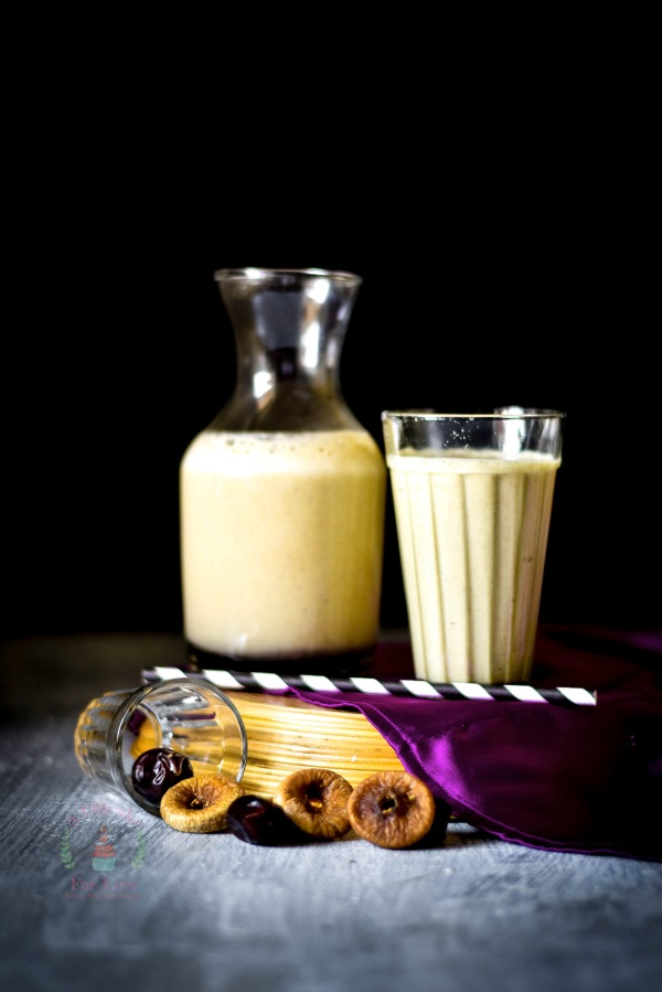 Dry Fig, Dates and Saffron – Oats Smoothie – Super healthy kick start to theday!