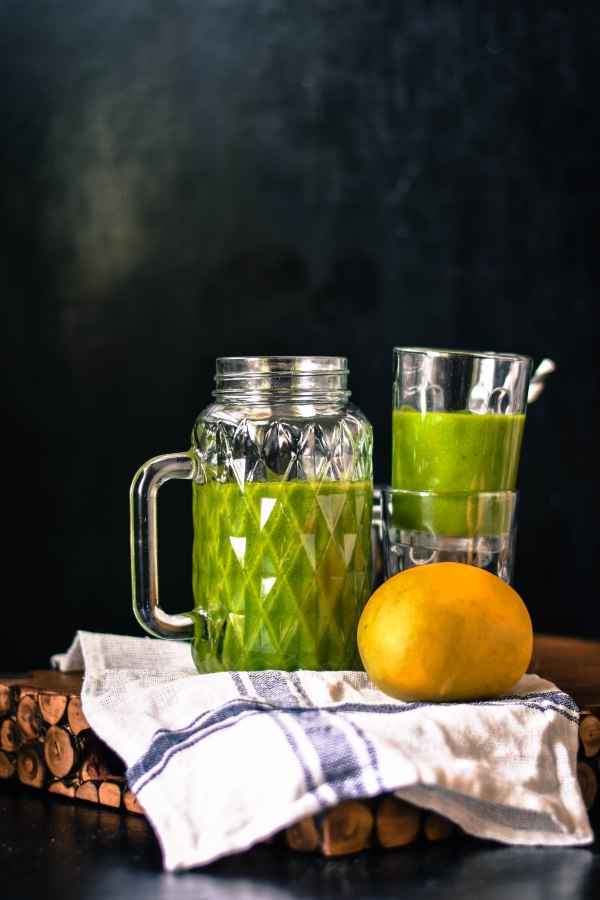 Mango Spinach and Honey Smoothie – Sweet Green Nectar